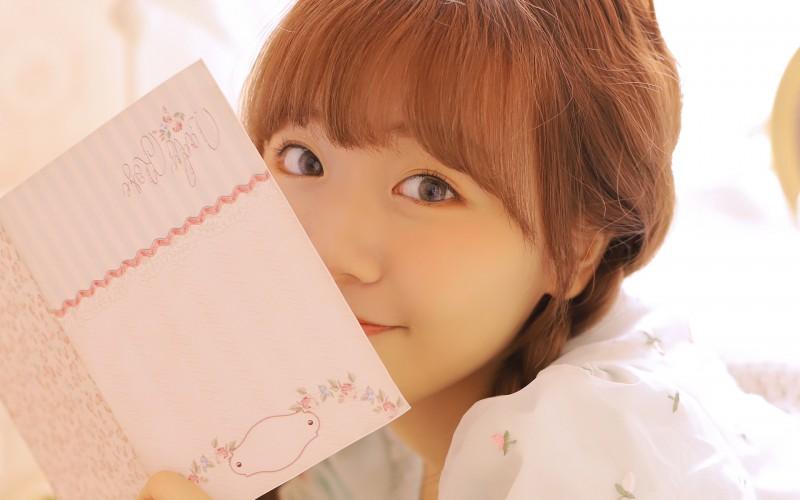 【蜗牛娱乐】马尾辫女孩甜美写真桌面壁纸