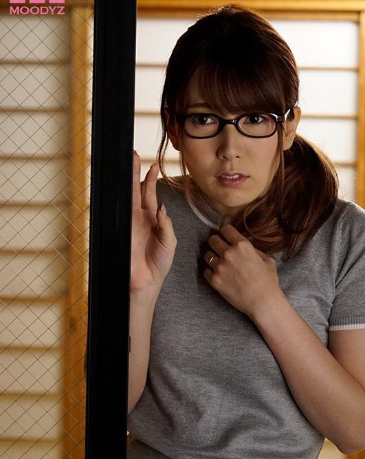 【蜗牛娱乐】MIAA-032: 波多野结衣手口并用,让邻居重振雄风!