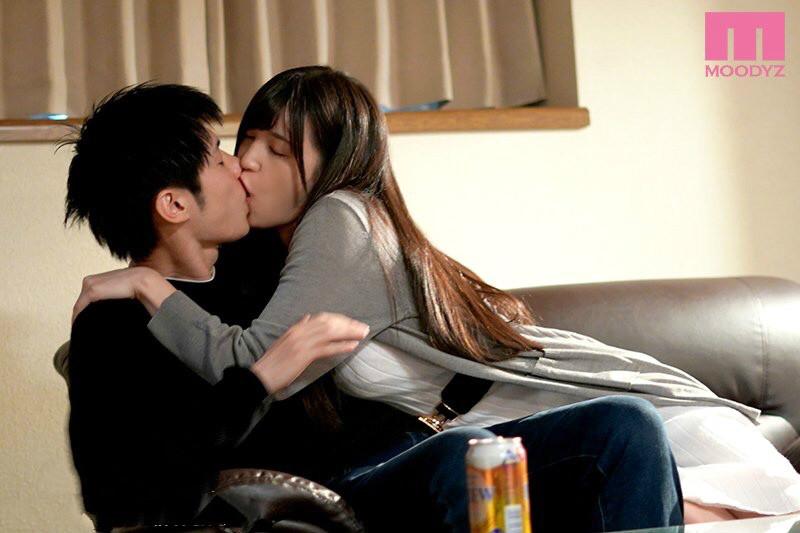 【蜗牛娱乐】MIDE-670:高桥圣子在亲妹妹的床上跟他的男友展开激情性爱!