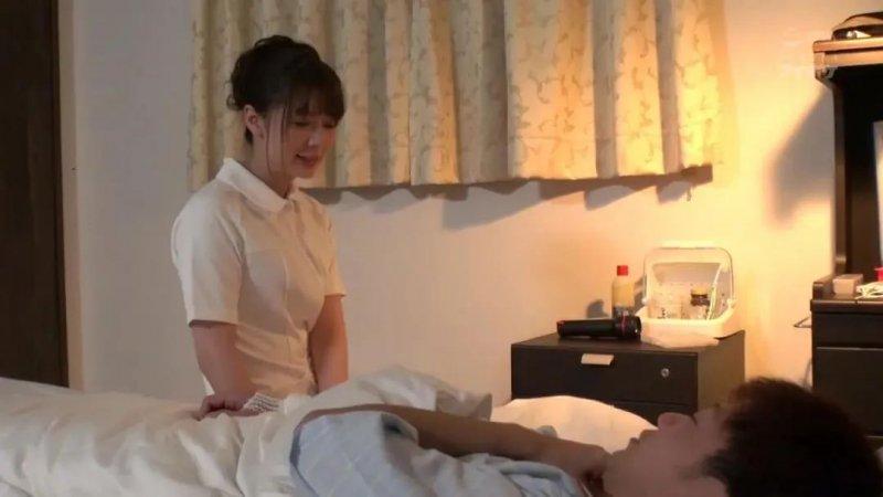 【蜗牛娱乐】岬奈奈美IPX-470 女下属出差酒后讨好中年上司