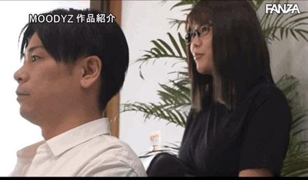 """剪加洗还有""""吹""""!那间一次1000日币还可以中出的理发厅来了I罩杯师傅! …"""