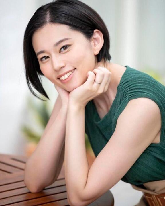 【蜗牛娱乐】平井栞奈最新作品JUL-523 熟女人妻迷恋年轻肉体
