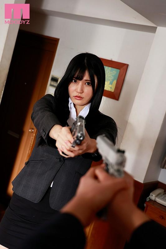 【蜗牛娱乐】高桥圣子MIDE-928 巨乳搜查官与下属擦枪走火