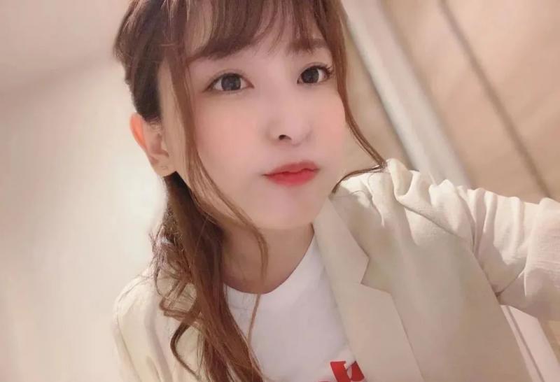 【蜗牛娱乐】王牌级女演员秋山祥子 技术过硬可以在业界当老师
