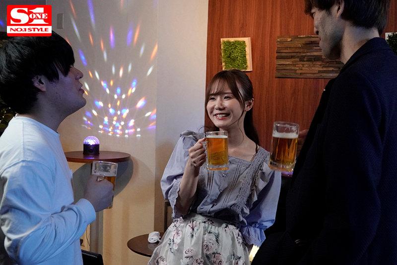 """【蜗牛娱乐】""""miru""""作品SSIS-133:可爱女同事酒后乱性发情喝酒就想亲人!"""