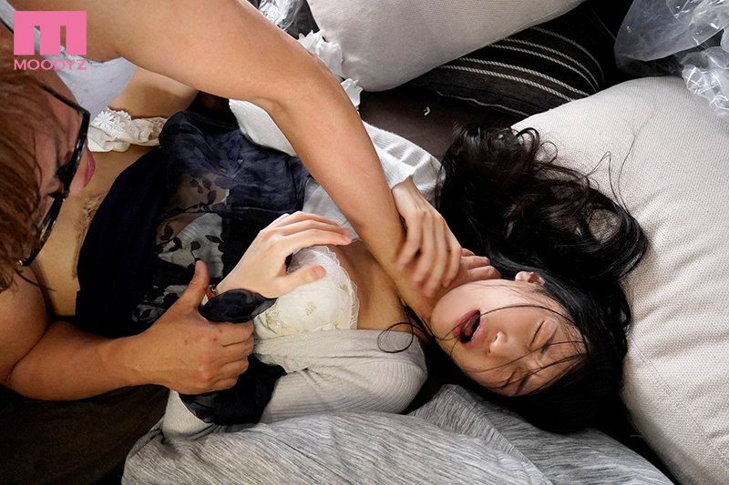 【蜗牛娱乐】高桥しょう子(高桥圣子)作品 MIDE-953 :社长千金在满是垃圾的屋里被玷污了!