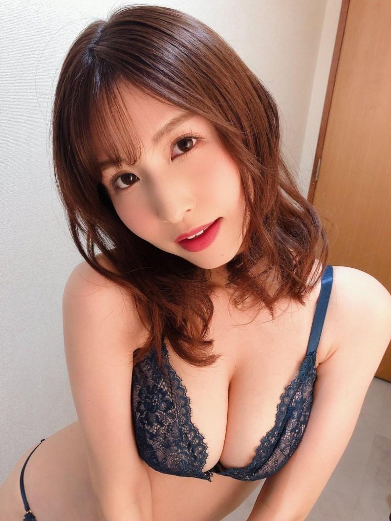 【蜗牛娱乐】樱空桃IPX-628 暗黑新女神挑战3人运动