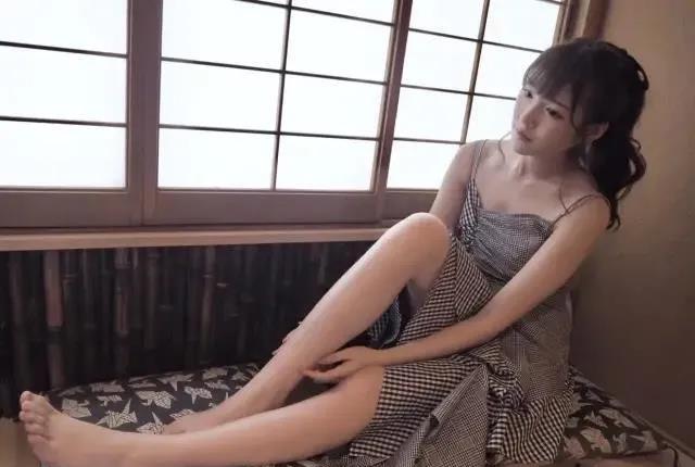 """【蜗牛娱乐】业界完美演员桥本有菜 """"腿精""""美到令人无法自拔"""
