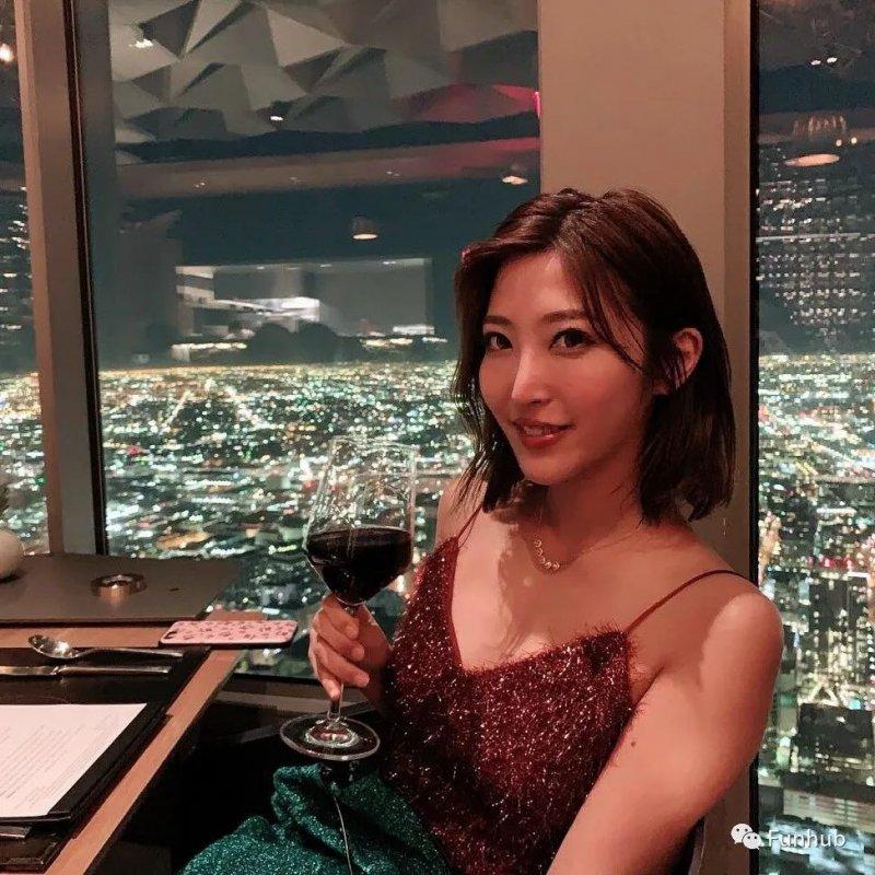 【蜗牛娱乐】性感辣妹水川菫 父亲希望她成为业界铃木一郎