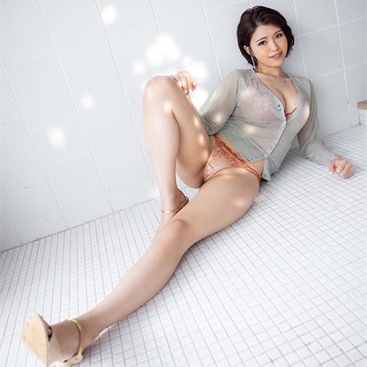 【蜗牛娱乐】枣レイ(枣玲)JUL-751:欲求不满的人妻魅惑的G罩杯!